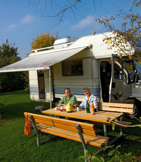 camping in campingpark kerstgenshof. Black Bedroom Furniture Sets. Home Design Ideas