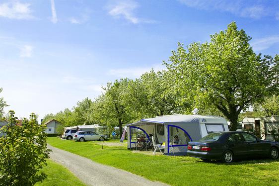 Camping in camping wirthshof for Schwimmbad offenburg offnungszeiten