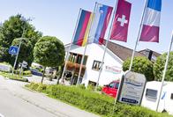 (c) Der Wirthshof